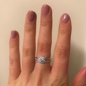 Jewelry - Silver cubic zirconia ring